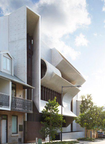 Una pieza de escultura creada para ser habitada, este interesante proyecto frente el nuevo Parque Central de Chippendale en Sidney, ha creando una residencia inspiradora para un coleccionista de arte.