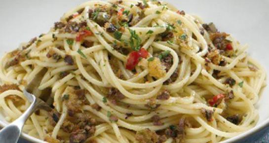 La ricetta della pasta piccantina con le briciole
