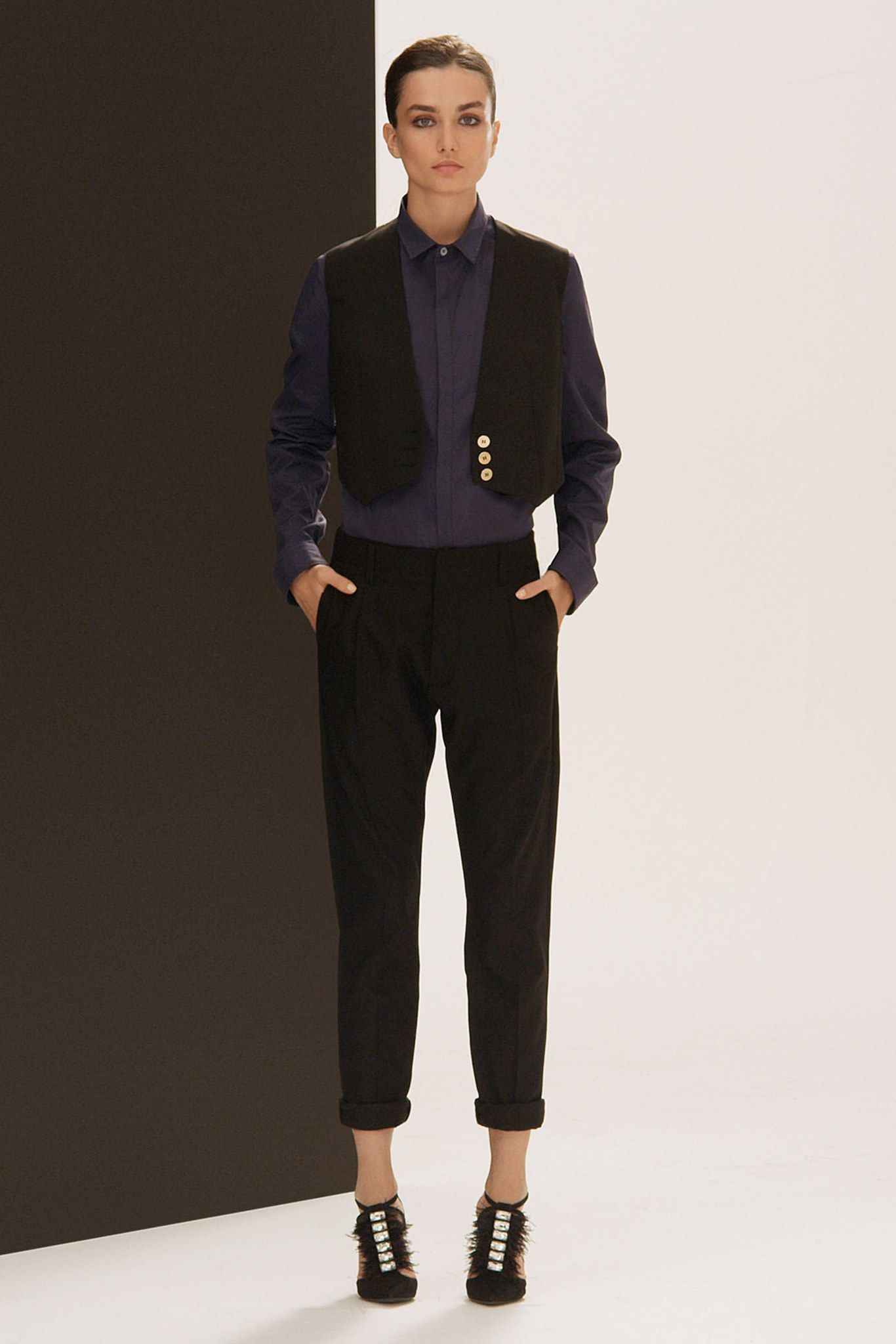 Watch Pierre Balmain FallWinter 2013-2014 RTW – New York Fashion Week video