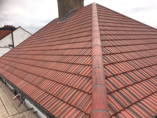 Easy To Lay Concrete Roof Tile With A Low Profile Design Cost Effective Option Roof Tiles Redland Roof Tiles Concrete Roof Tiles