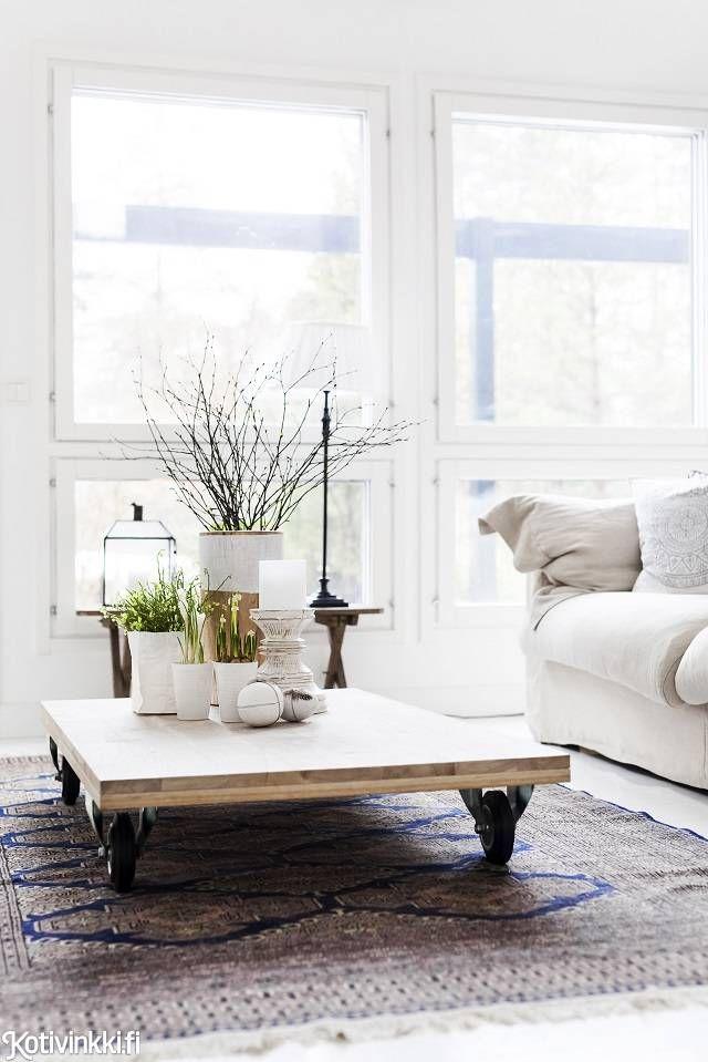 Valkoinen koti luonnonsävyillä   Kotivinkki