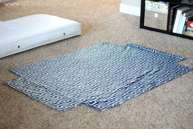 diy dog bed made from a crib mattress with diy fleece cover animals pinterest dog bed diy. Black Bedroom Furniture Sets. Home Design Ideas