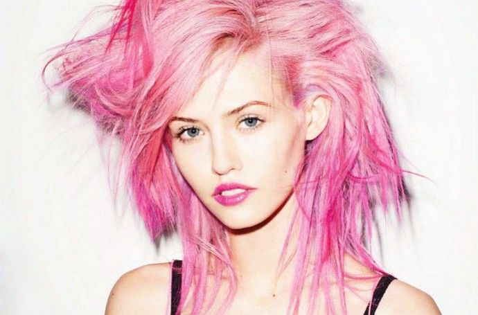 Models With Pink Hair Inspiring Dye Jobs We Seriously Love Pink Hair Best Temporary Hair Color Unnatural Hair Color