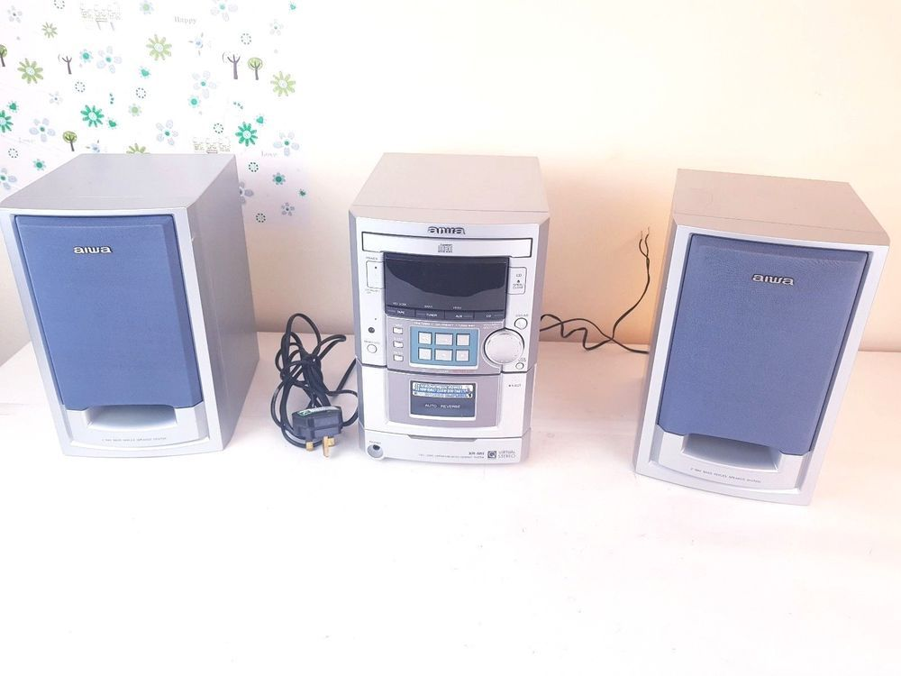 AIWA XR M151 Compact Disc CD Bookshelf Stereo System Tape Radio AUX