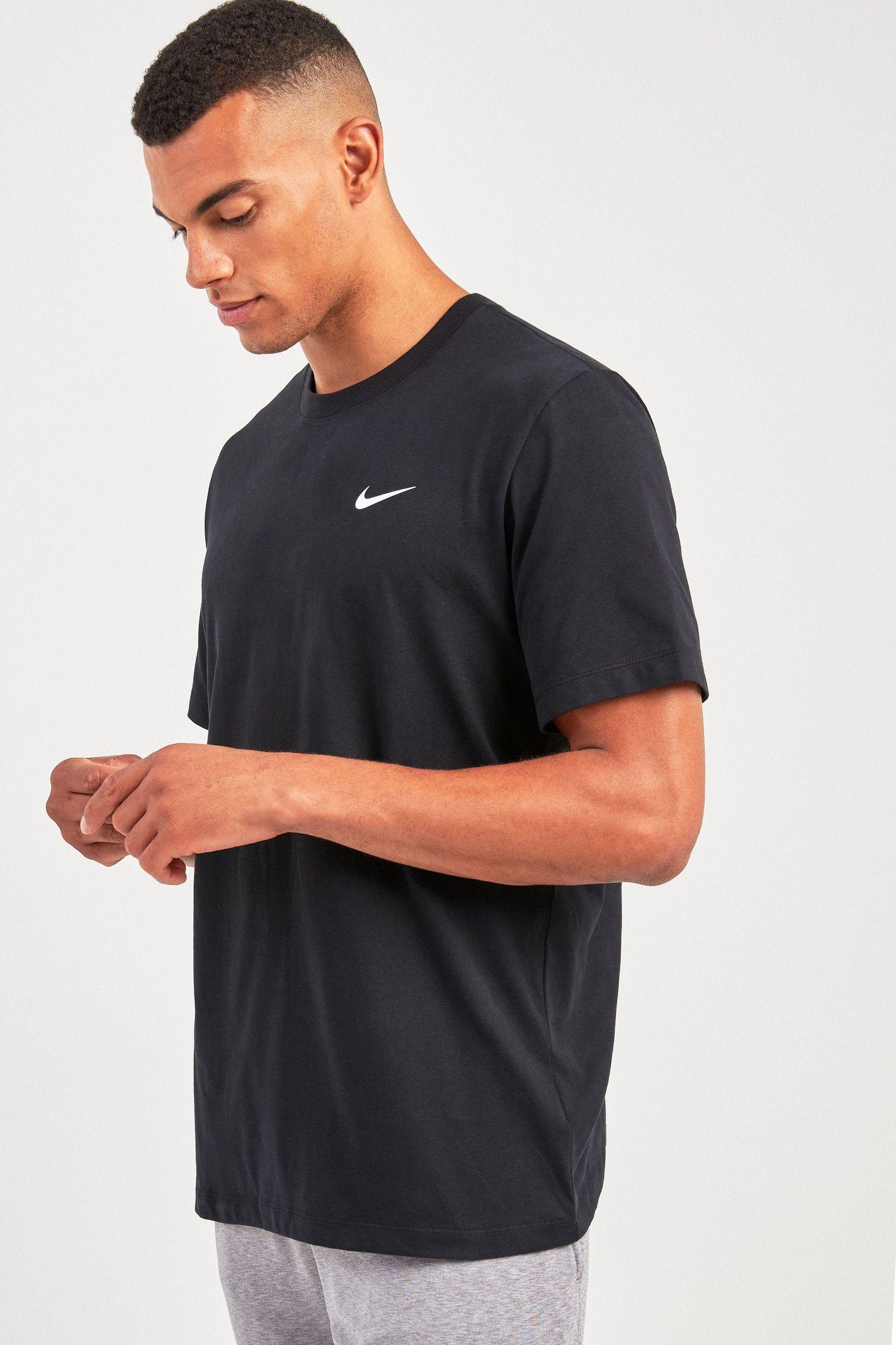 Mens nike drifit training tshirt black in 2020 sport