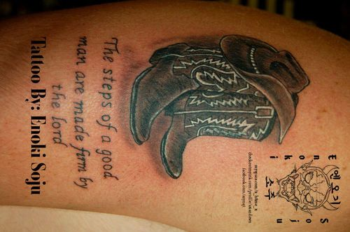 Cowboy hat and boots tattoos asiandawns tattoo 306 for Cowboy boot tattoo