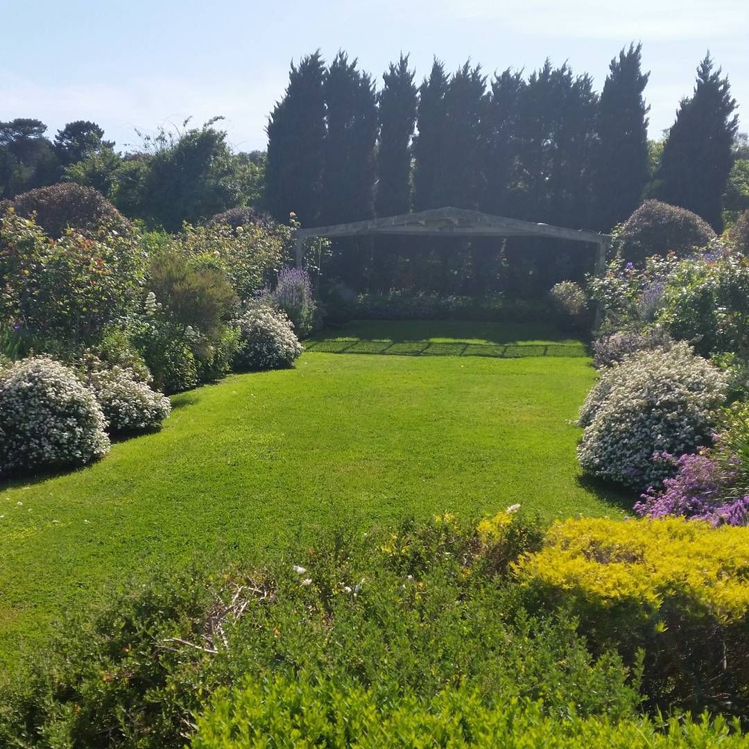 The Sunken Garden secluded weddingceremony location at