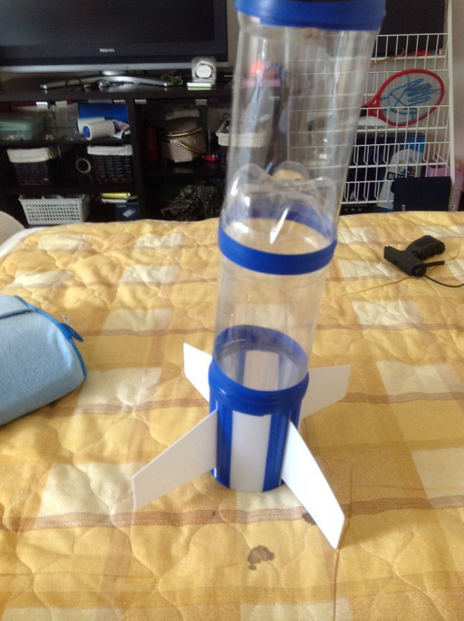 Build a bottle rocket bottle recycling facts and water for Fun things to build with household items