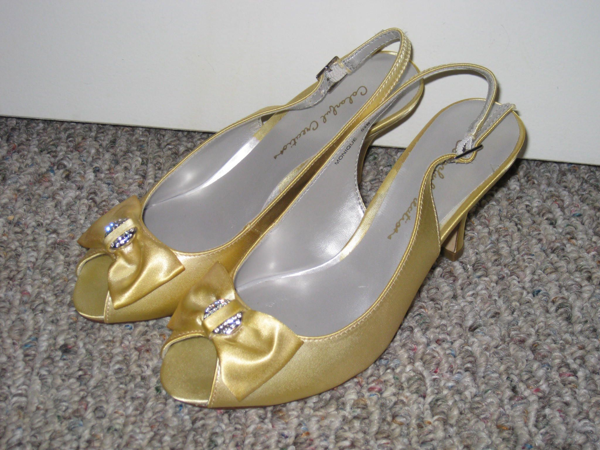 Canary yellow shoes | Wedding details | Yellow shoes ...