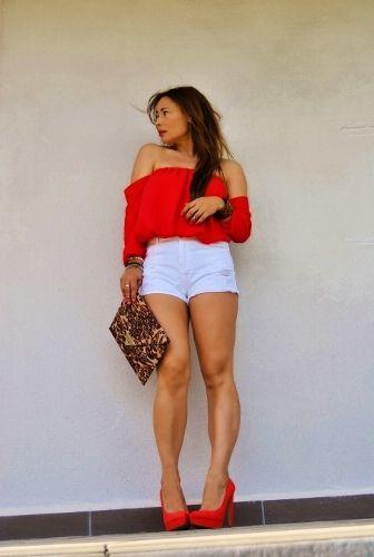 "New post in my blog ""Shoulders Out"" http://nekane2020.blogs.elle.es #blogmoda #fashionblog #streetstyle #redblouse #shouldersout #tops #shorts #buscandoaaudrey #stylist #sheinside @sheinside"