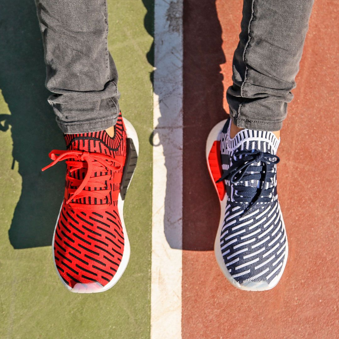 buy online bfa60 2a71a ¿Azules o rojas  ¿Con qué Adidas NMD R2 te quedas tú  Ven