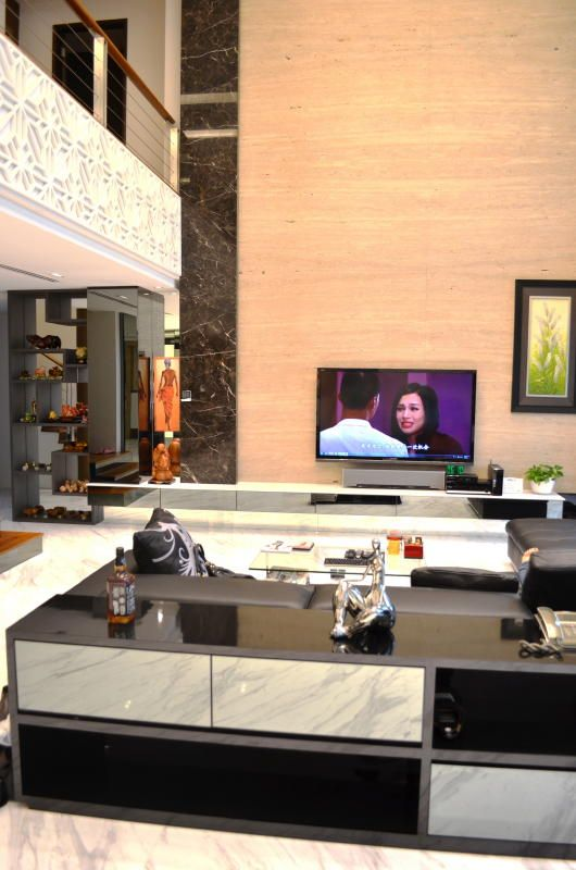 Living Room Design With Led Tv: Front View Of Living Hall With 75 Inch Samsung LED