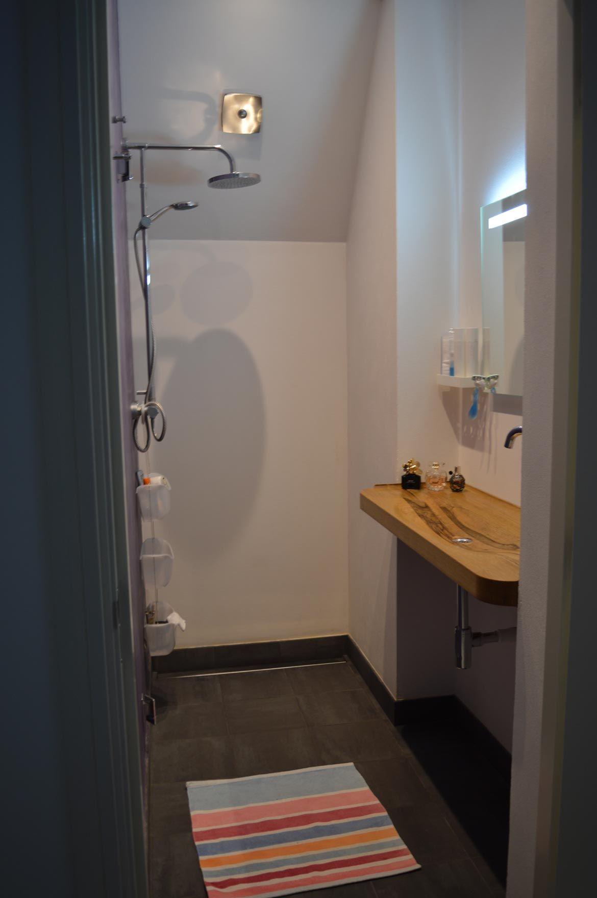 Kleine badkamer na plaatsen houten wastafel | Badkamer | Pinterest ...