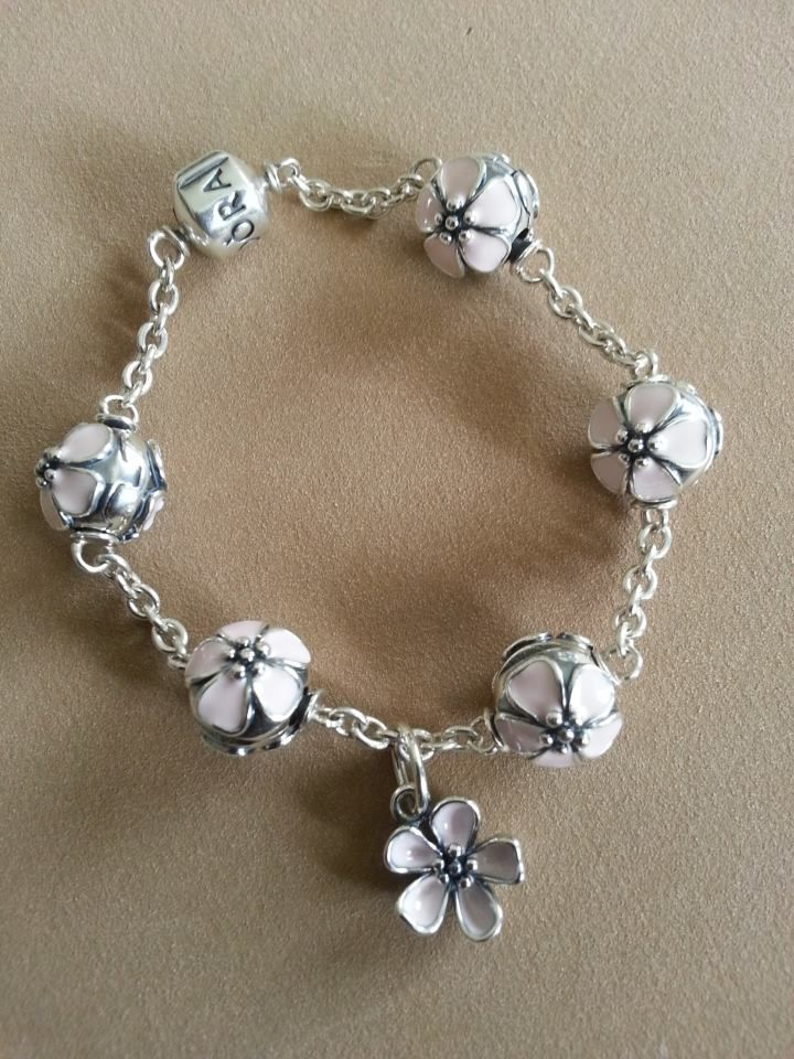Just Bought A Clip Bracelet For My First Set Of Clips I Am Going To Place The Dogwood Dangles All Way Around Five Stations