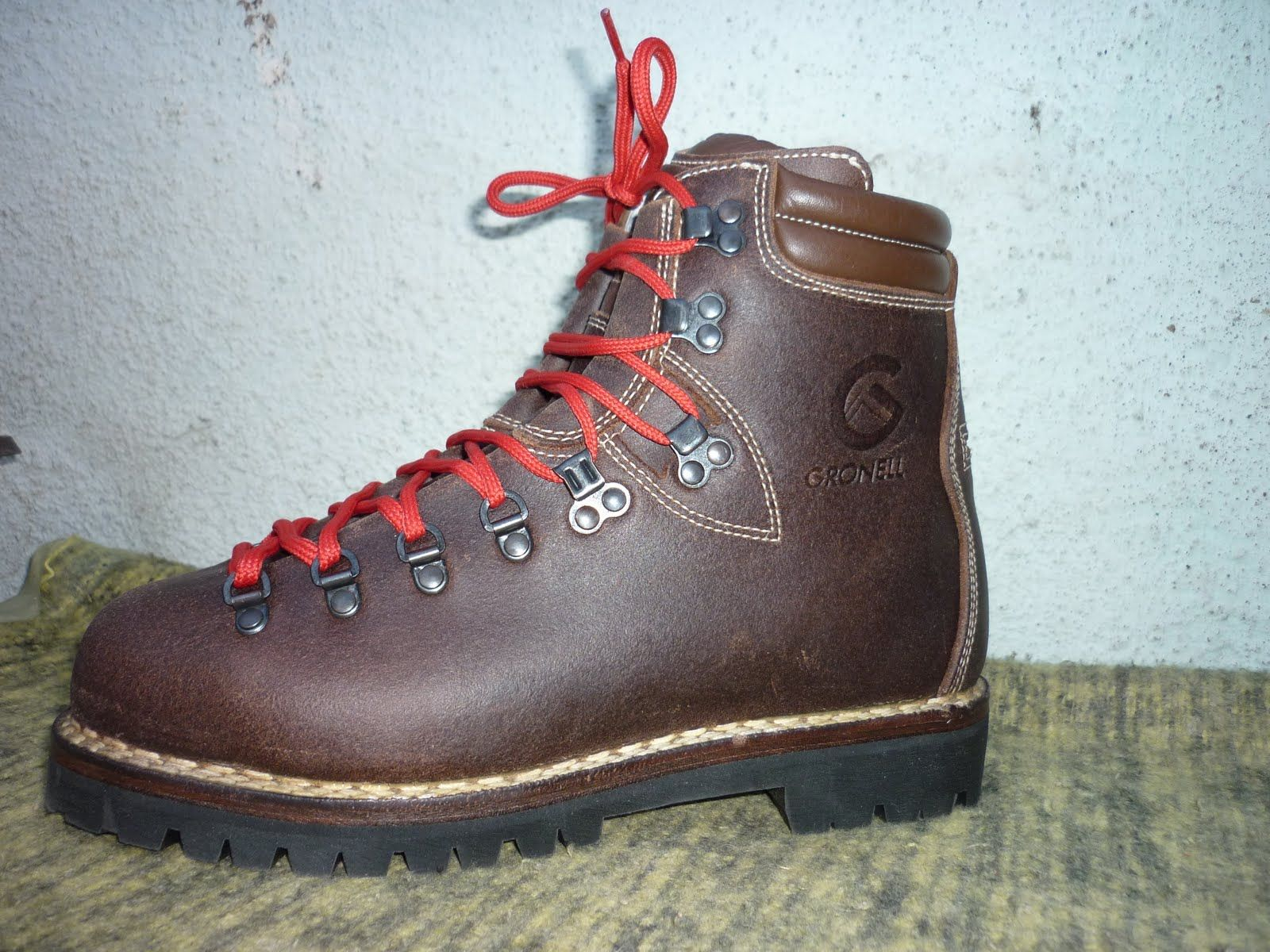 Handmade Italian hiking boots from Gronell. Double stitched Norwegian welt  construction that will last a