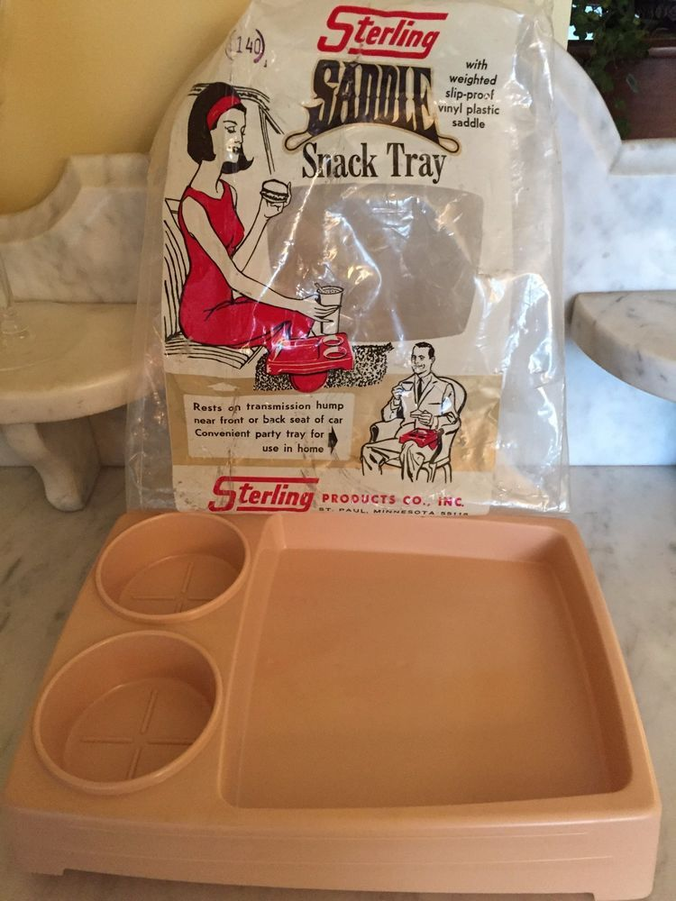 UNIQUE VINTAGE 1960'S PLASTIC SADDLE SNACK TRAY FOR CAR HOME STERLING PRODUCTS