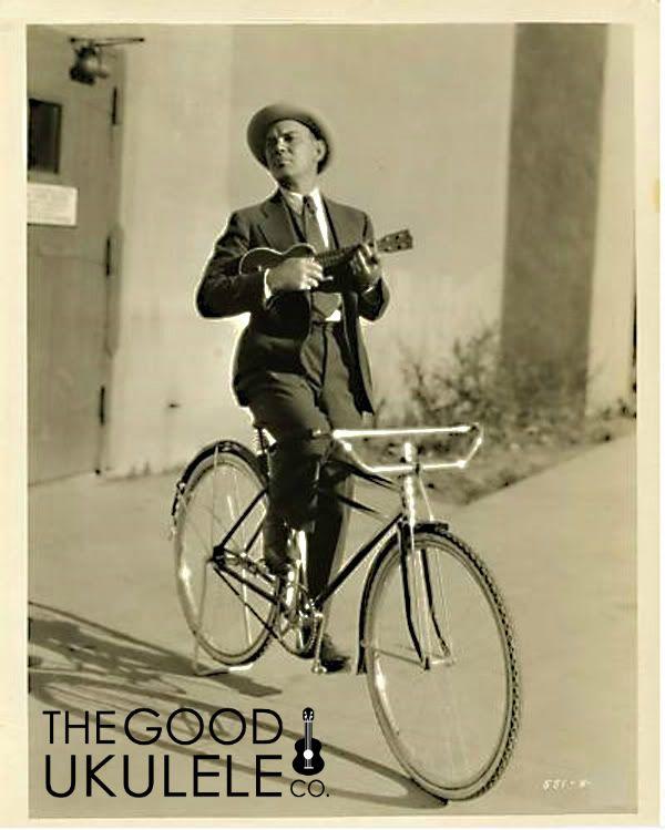 vintage ukulele photographs www.thegoodukulele.com