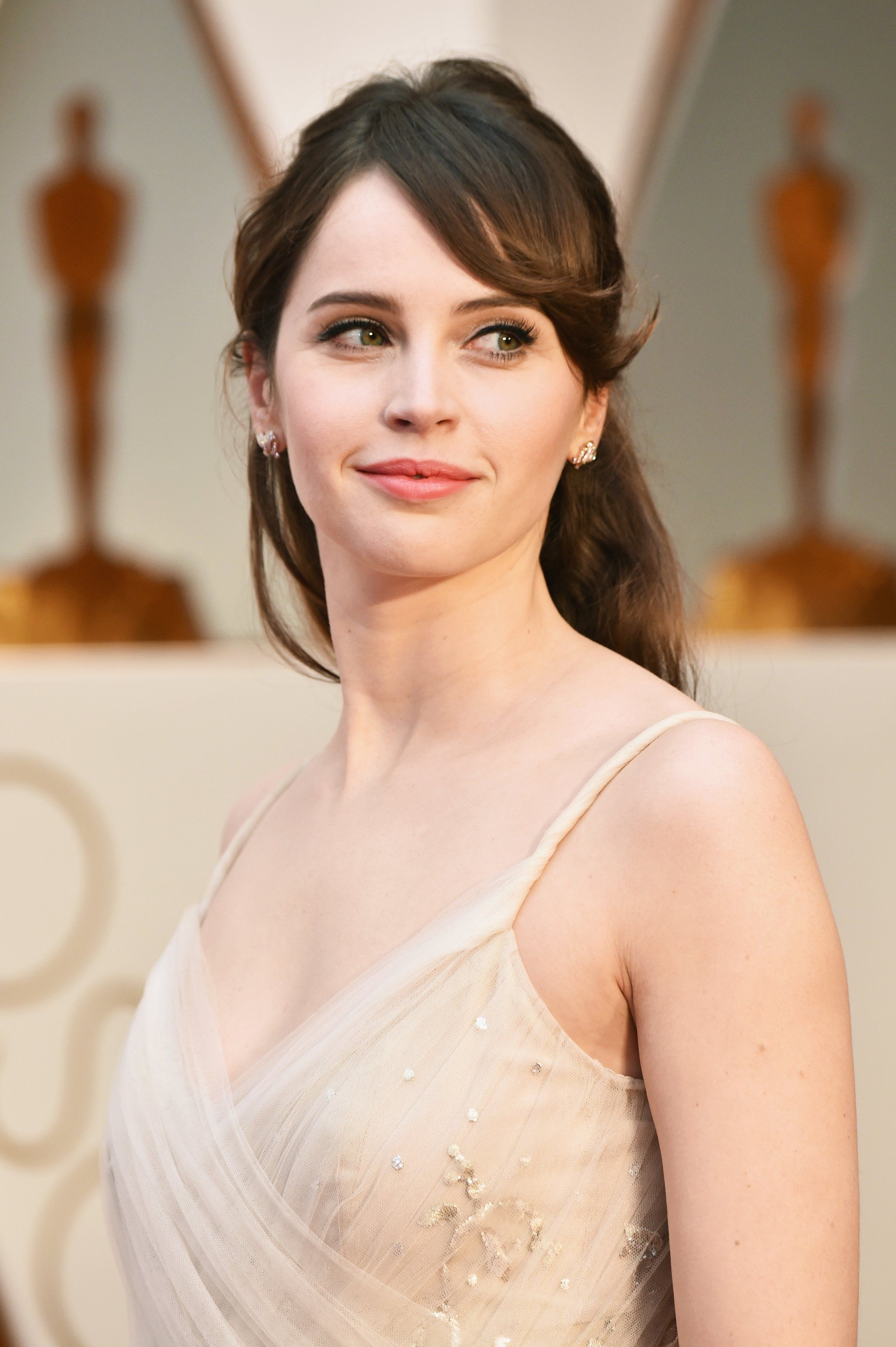 Felicity Jones | Felicity rose hadley jones, Felicity jones, Hair beauty