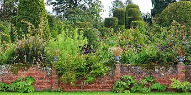 Savoygardens Instagram Yew Gardens At Packwood House Lapworth Warwickshire Uk Packwood House Series Ph Garden Design Amazing Gardens Garden Inspiration