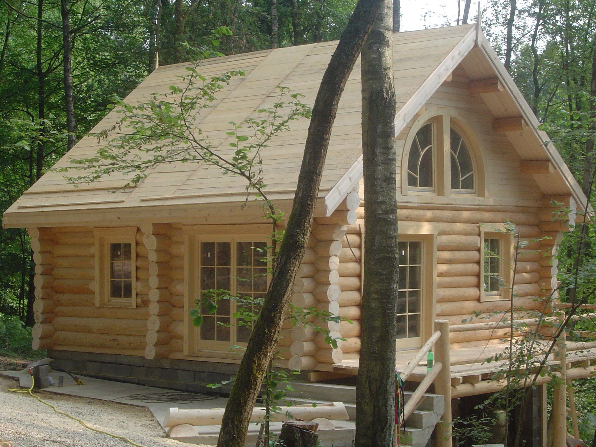 fuste maisons en rondins empil s maison en bois pinterest maison en rondins rondin et. Black Bedroom Furniture Sets. Home Design Ideas