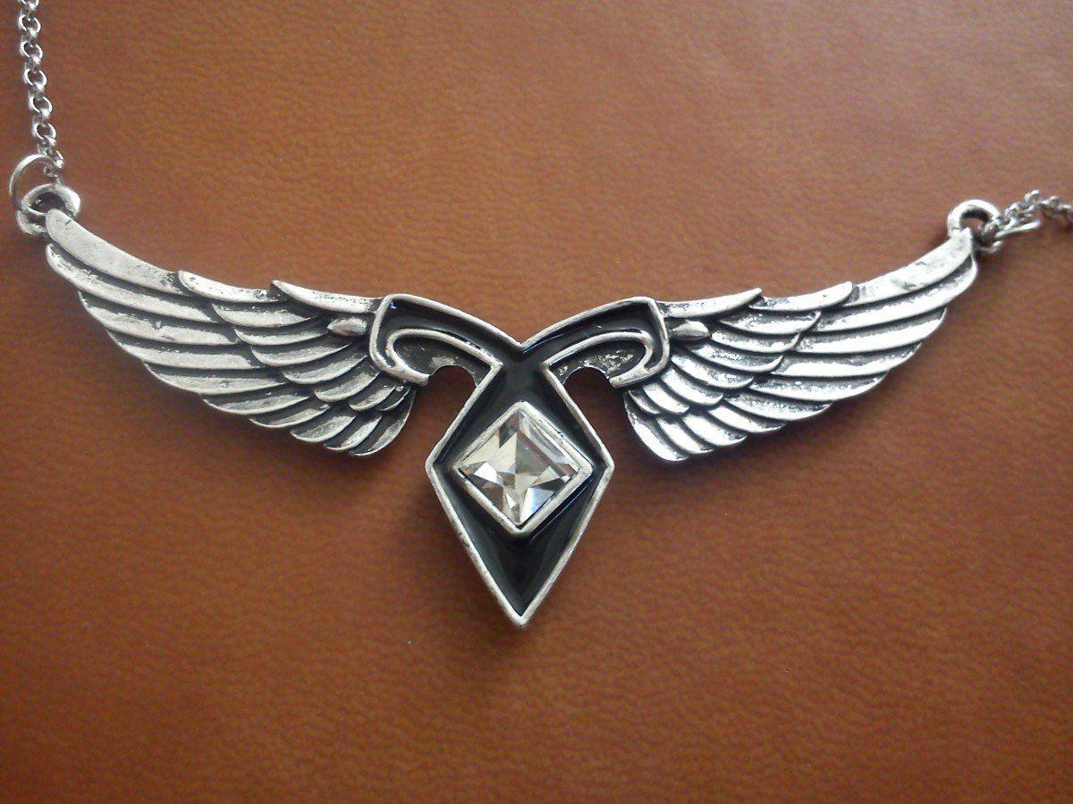 0ba51ab995 Collar Runa Angelical Con Alas De Angel Cazadores De Sombras - $ 300.00 en  MercadoLibre