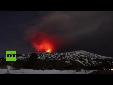 Erupción del Etna deja heridos a varios turistas y periodistas (VIDEOS) - RT