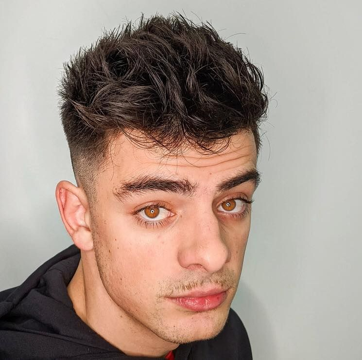Buenos días, la #textura , una parte importante de nuestro #look  #quiquepop #peluqueria #barberia #alicante #alicantecentro #barbershop #texture #haircut #menhaircut #menstyle  QUIQUEPOP TEATRO PELUQUERÍA BARBERÍA ALICANTE