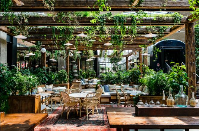 Station F Opens Doors To Massive 1000 Seat Restaurant La Felicita Restaurant Terrasse Restaurant Im Freien Restaurants In Paris