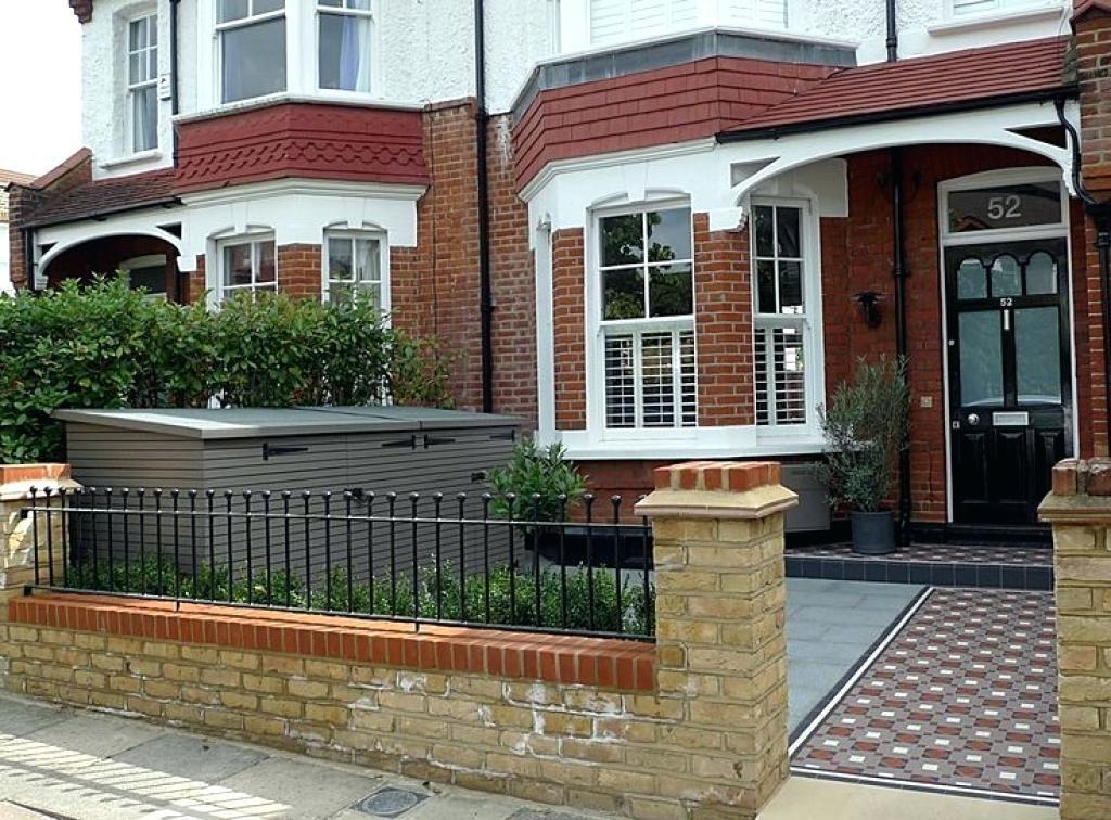 Victorian Porch Tiles Awesome Porch Of Tile Path Yellow Brick Front Garden Wall Image Porch Wall Victorian In 2020 Victorian Front Garden Garden Railings Front Garden