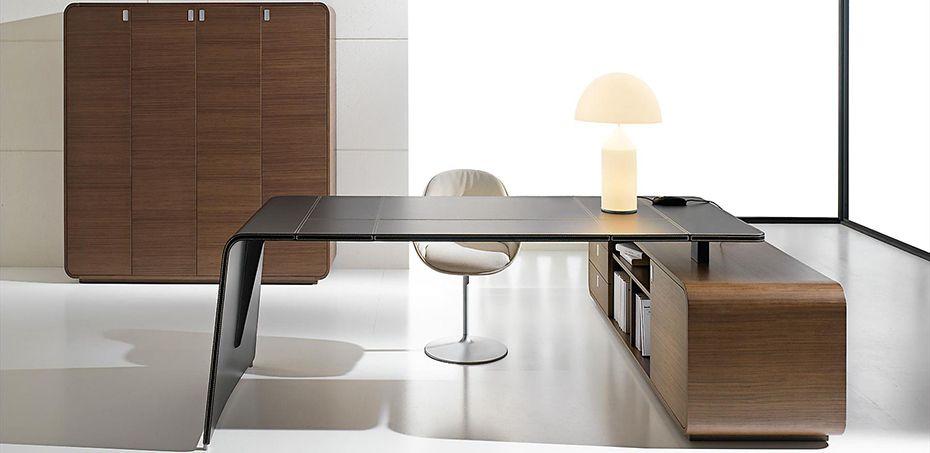 Design Schreibtische Sestante Von Ift Design Nikolas Chachamis Office Table Design Italian Office Furniture Office Furniture Design