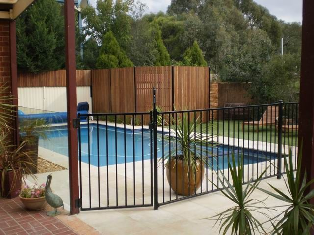 Safety Pool Fence Ideas For Your Homes Backyard Fences Fence