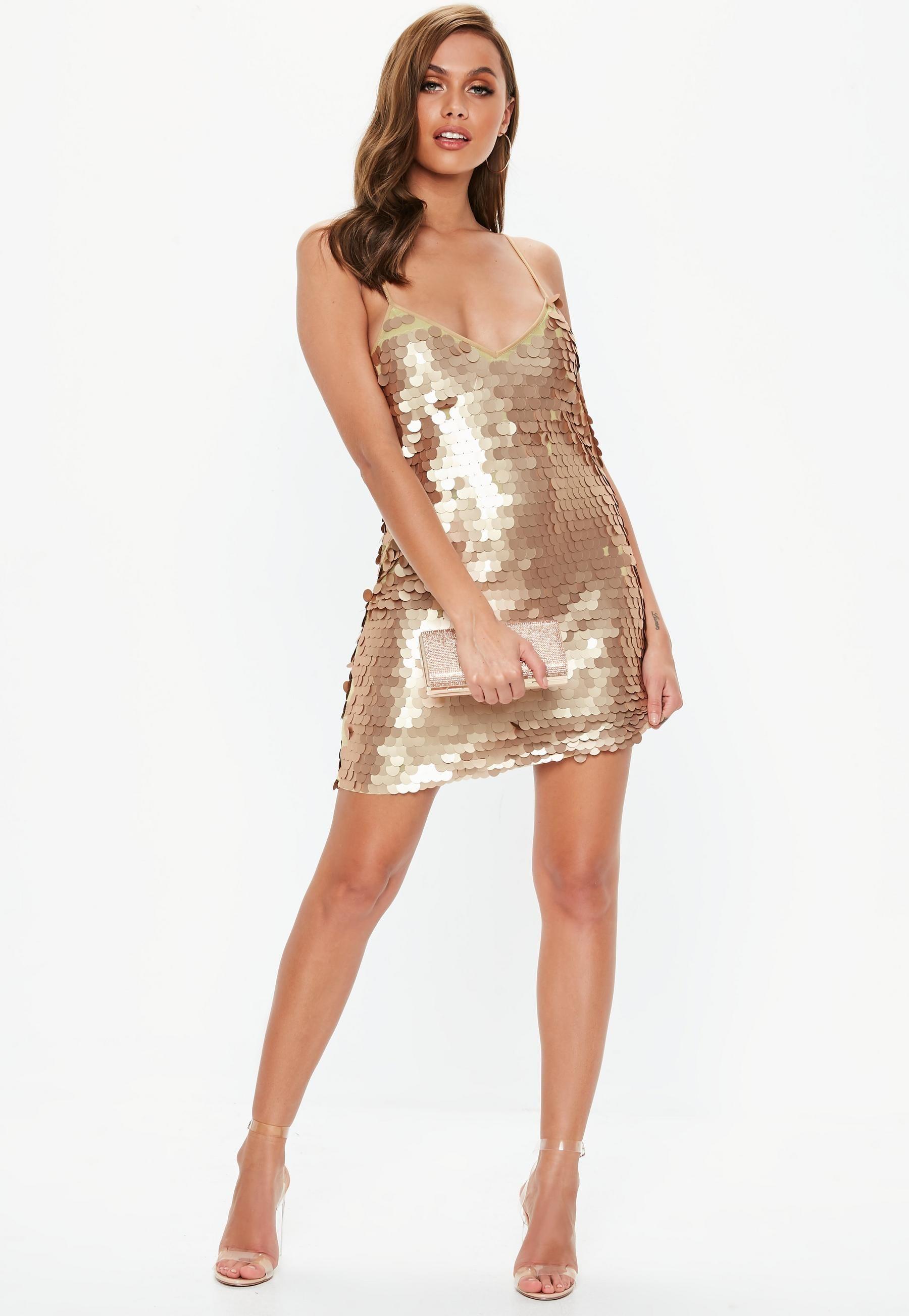 Gold Matte Disk Sequin Slip Shift Dress  Party kleider, Schöne