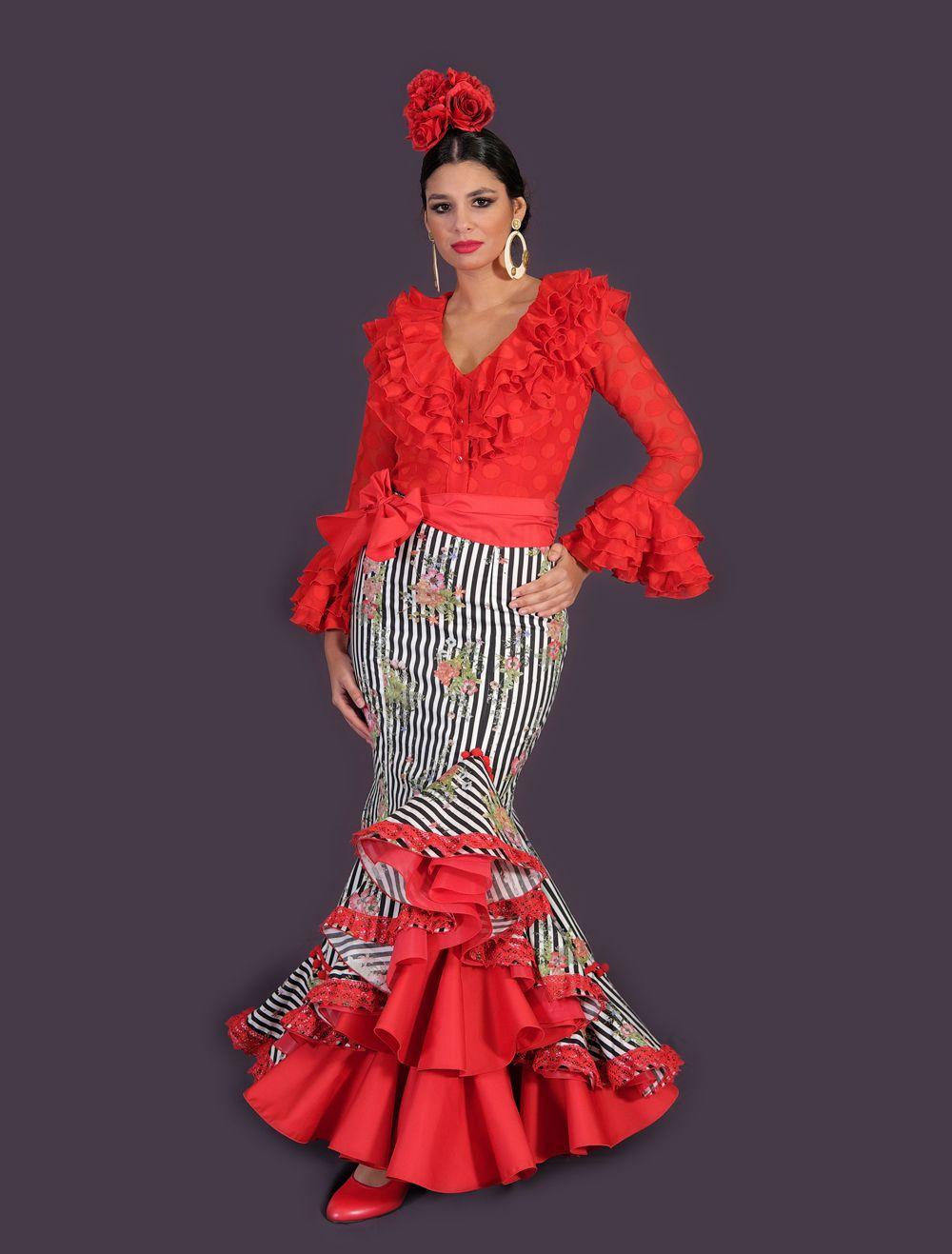 fd52ca3c71 Modelo de traje de flamenca compuesto por dos piezas a juego. Por un lado