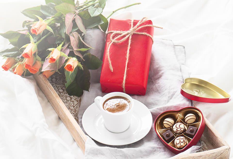 أفكار هدايا عيد الأم Coffee Cafe Coffee Love Tea And Books