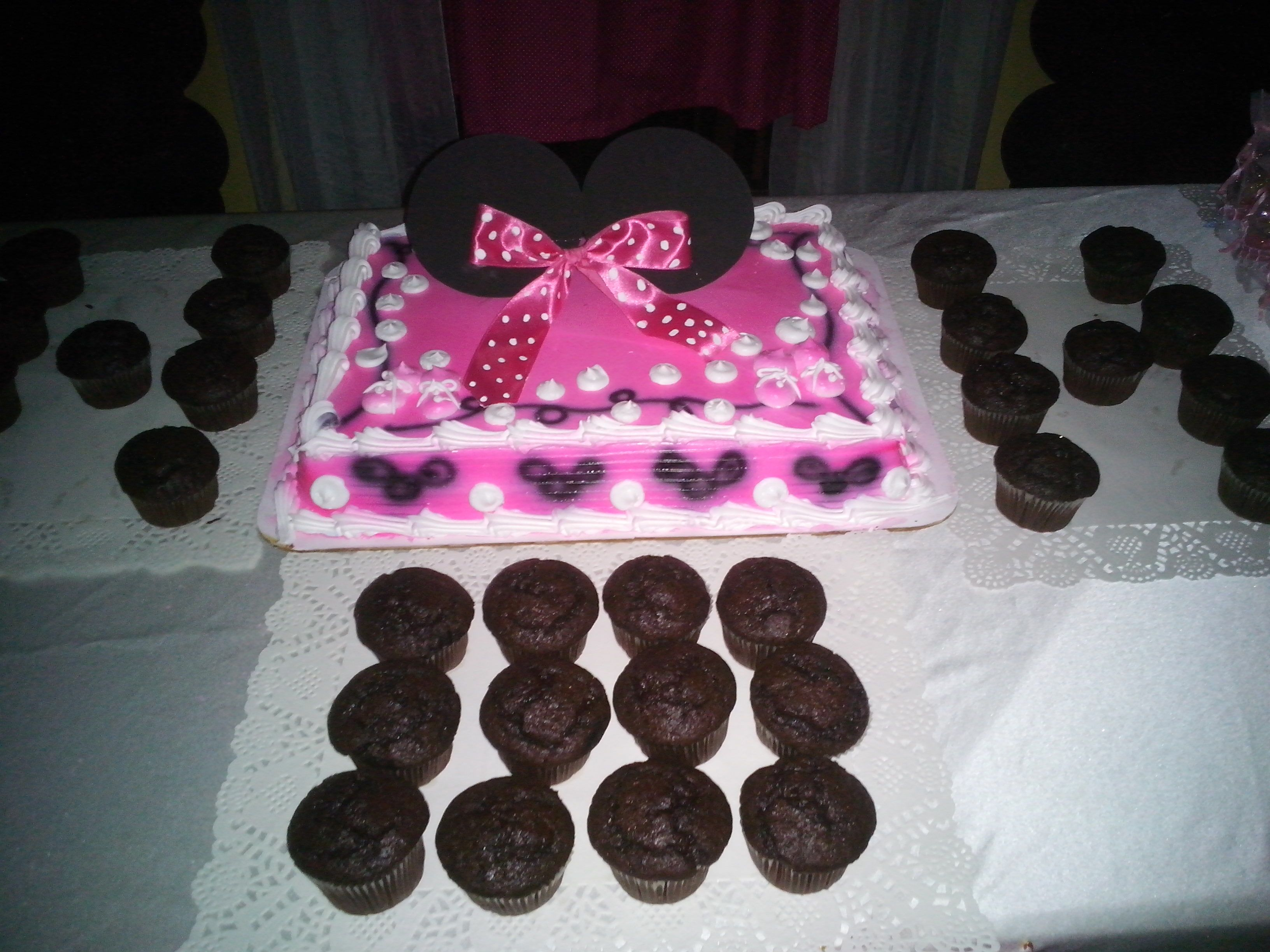 Bizcochos De Baby Shower Part - 20: Bizcocho De Baby Shower De Minnie Mouse