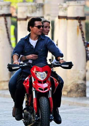 Tom Cruise And Cameron Diaz In Knight Day The Ducati