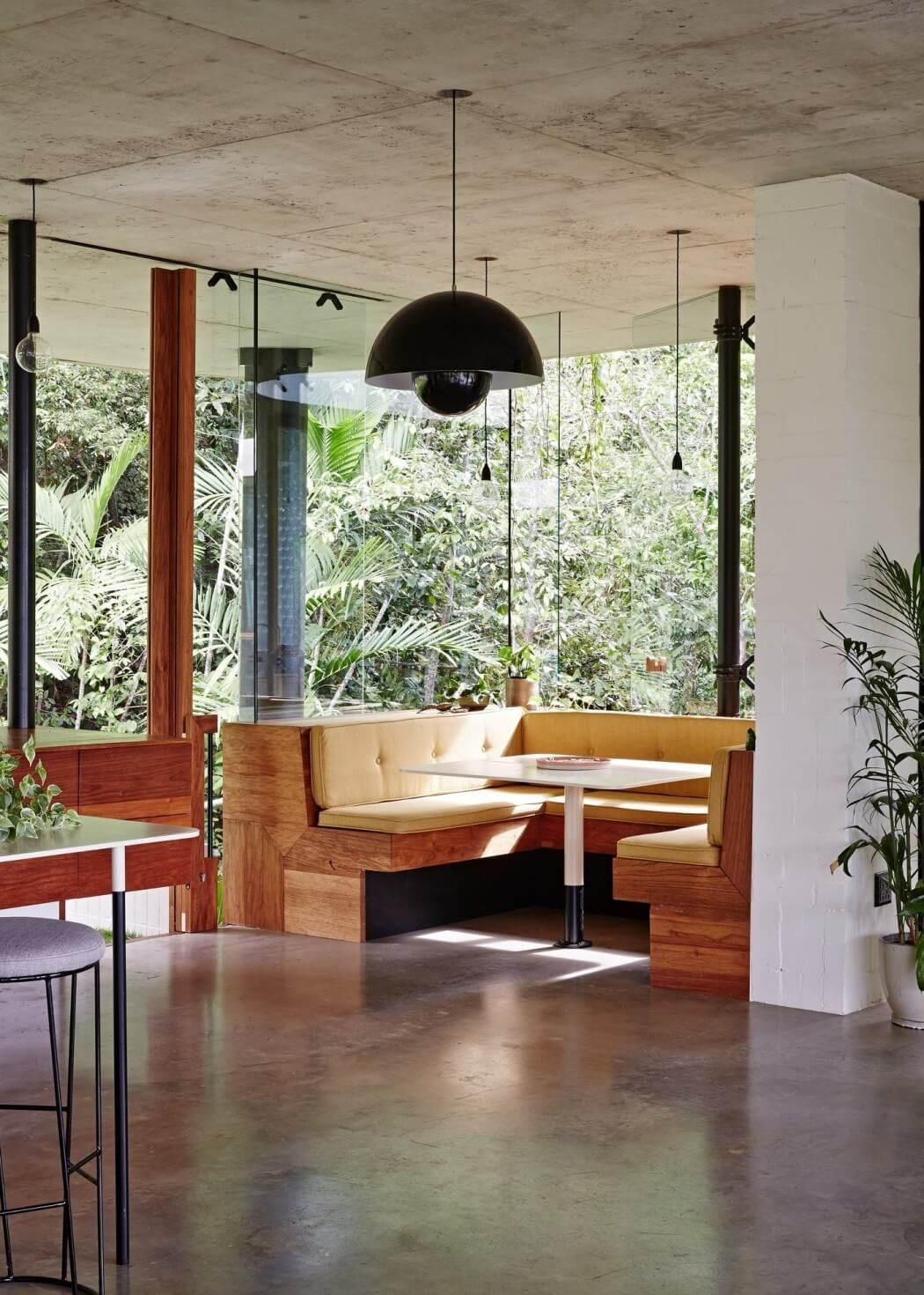 Planchonella House by Jesse Bennett Architect | HomeAdore