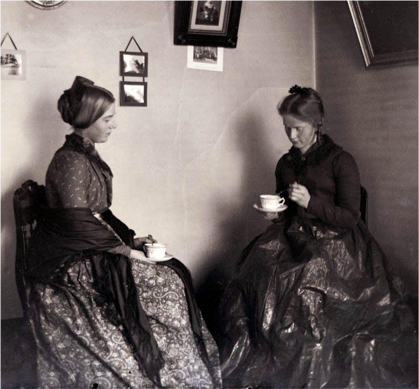Miss Retro's Blog: The Vintage Tea Drinker