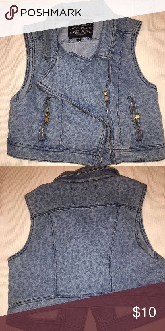 Jean vest In great condition. Size large can fit as a medium. Other