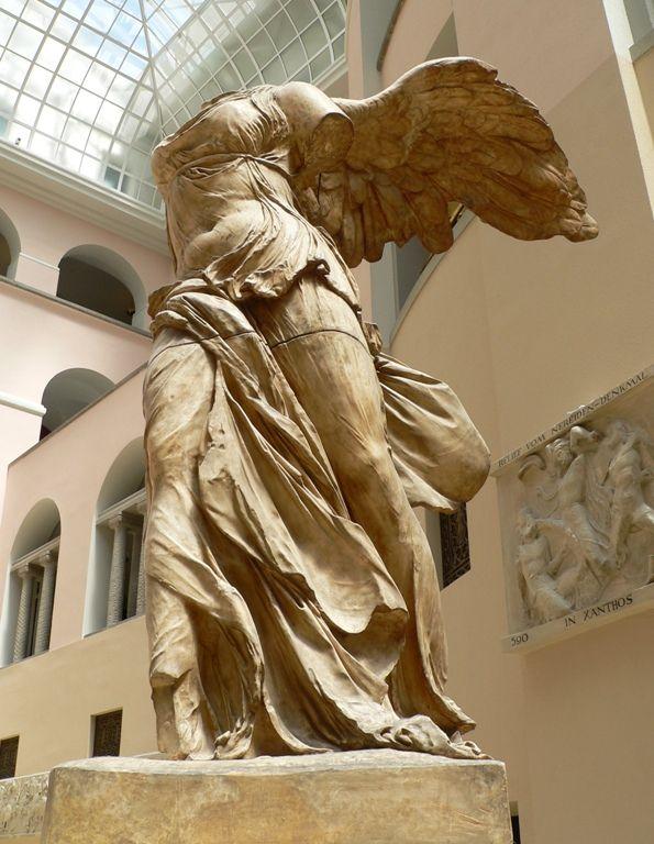 Devorar coser familia real  Nike of Samothrace | Arte griego, Esculturas de arte y Esculturas