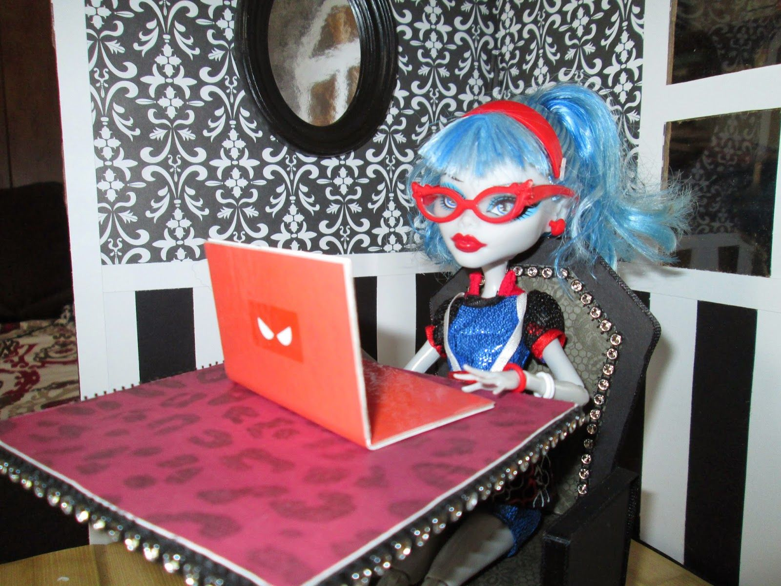DIY Monster High laptop. The design on the laptop you see in the ...