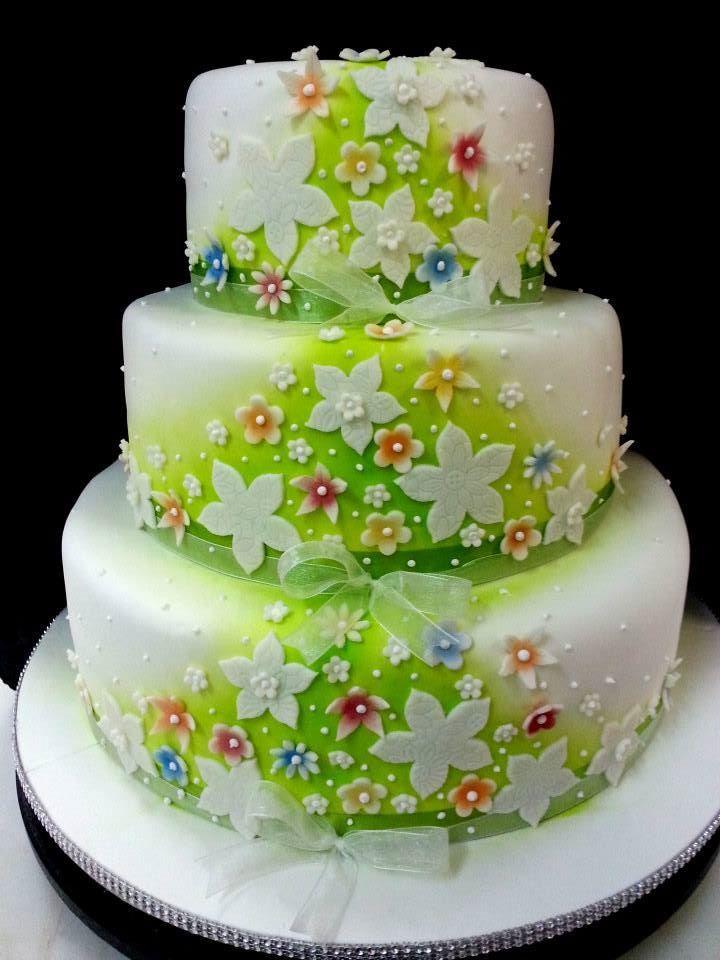 Una cascata di fiori...pasticceria  la Mimosa a Tollo #matrimonio