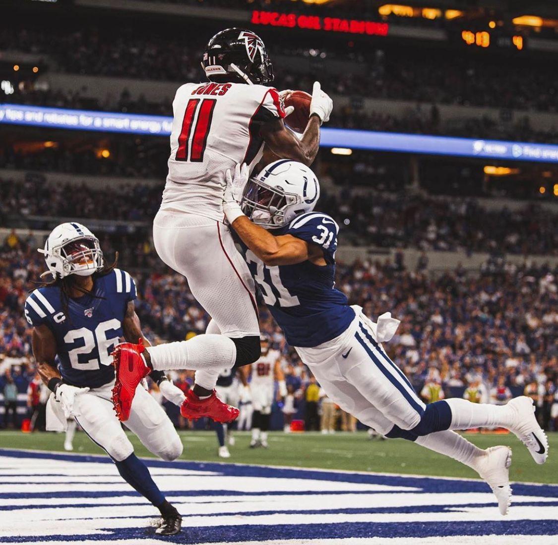 Atlanta Took A Loss In Indy But Julio Jones Doing Julio Things Wow Julio Jones Kansas Chiefs American Football
