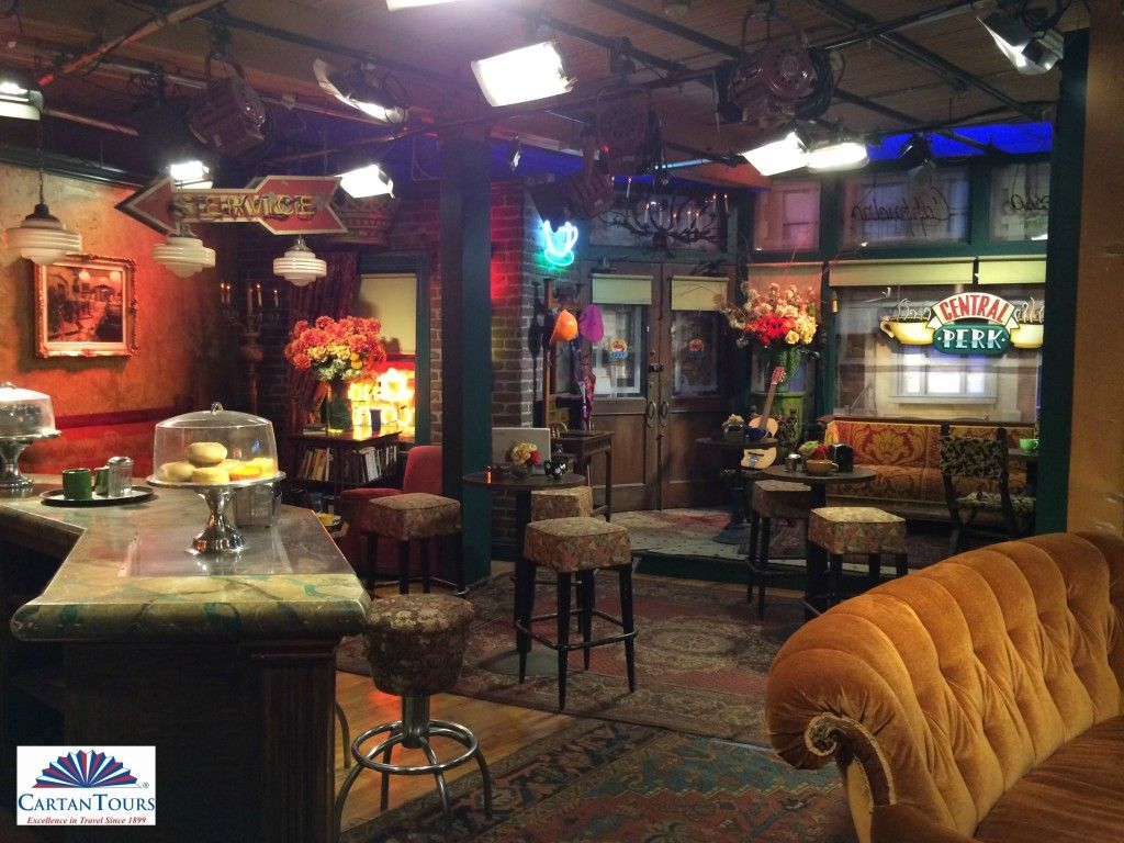 Central Perk From Friends On The Warner Bros Studio Vip Tour Www Cartantours Com Friends Apartment Friends Central Perk Central Perk