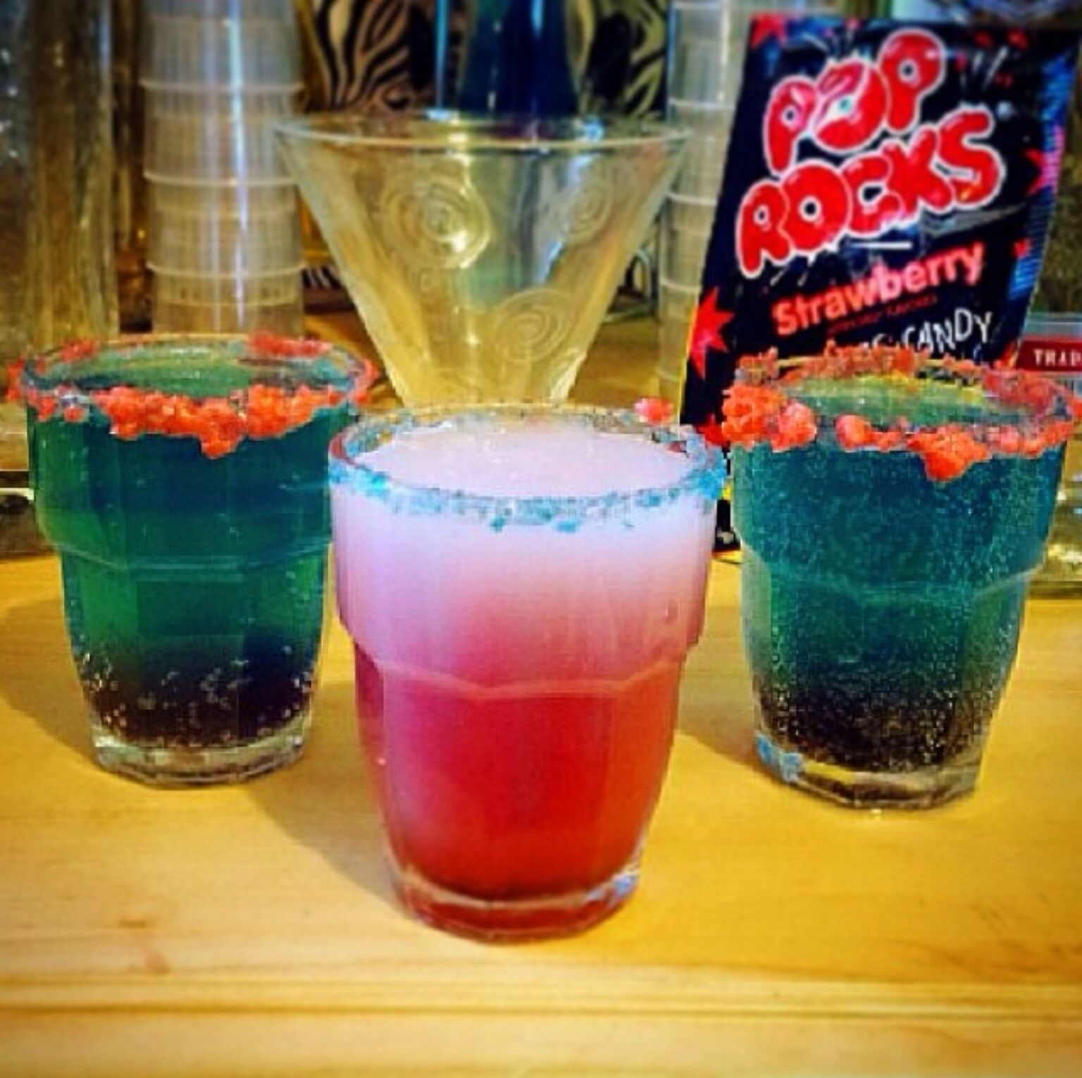 Pop rocks cocktails red white cocktail 30ml malibu for Mixed drinks with white rum