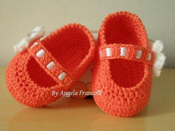 Sapatilha bebê laranja de crochê