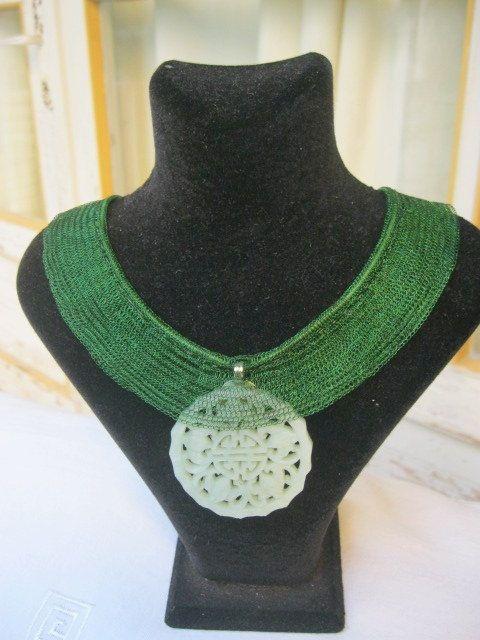 GREEN TITANIUM NECKLACE by INDAJEWELLERY on Etsy, $55.00
