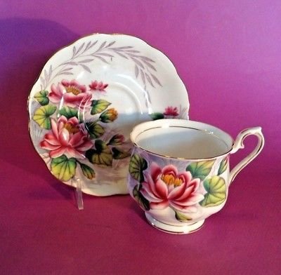 Royal Albert Tea Cup And Saucer - Water Lily - Flower Of Month #7 - England