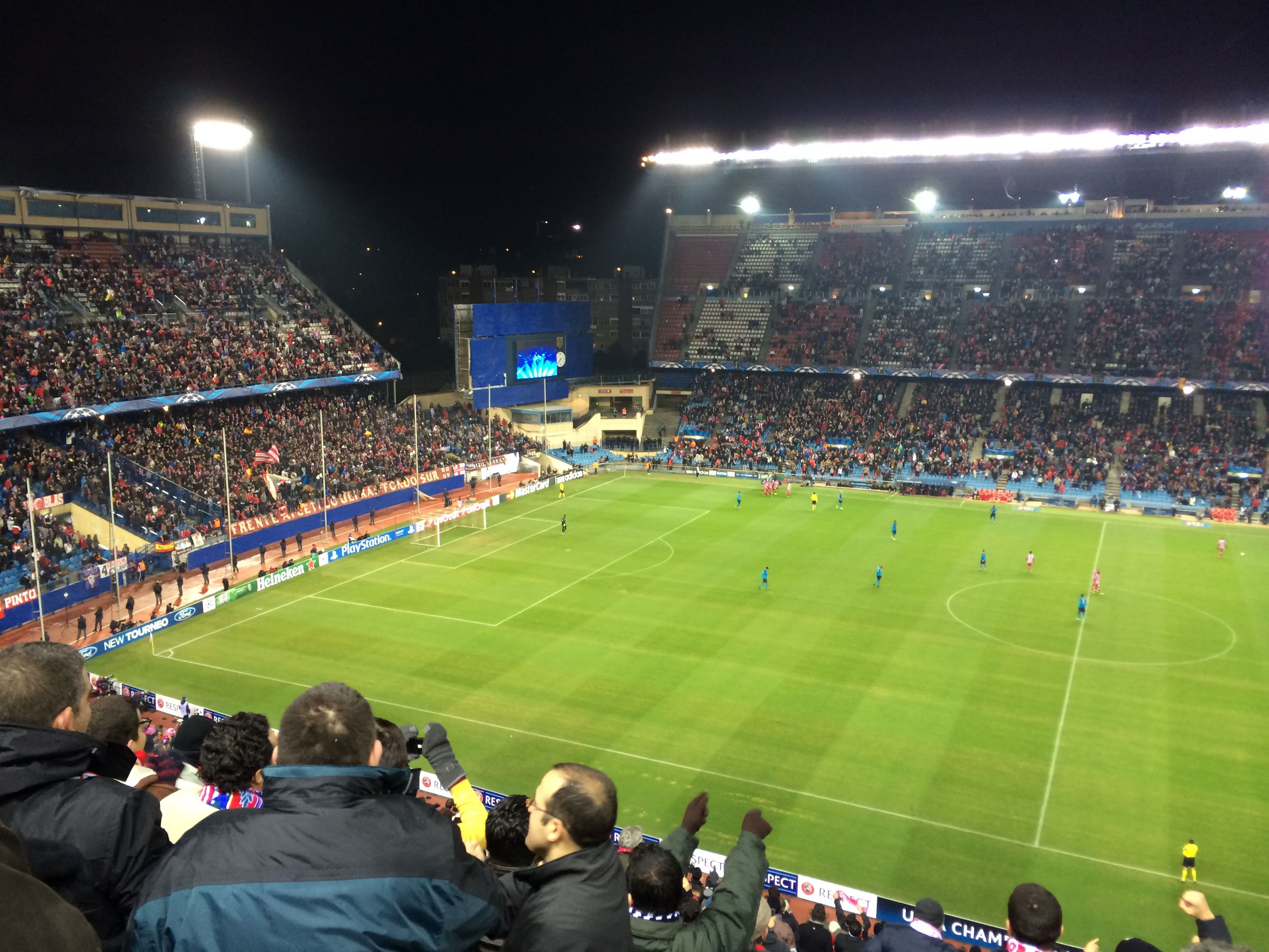 Champions League Group Stage Game 6 At Vicente Calderon Madrid Soccer Field Champions League Madrid