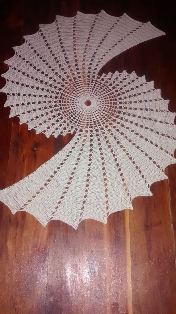 Fractal Crochet Centerpiece Doily Makes A Unique Statement Häkeln